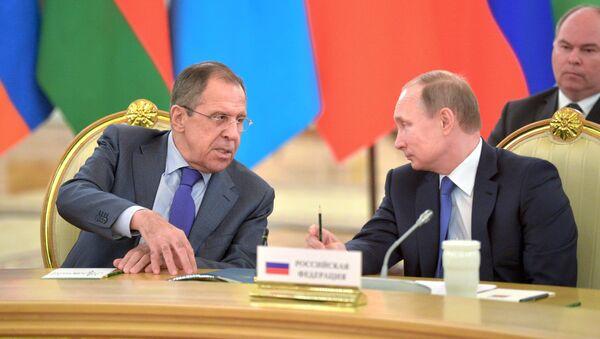 Sergueï Lavrov et Vladimir Poutine - Sputnik France