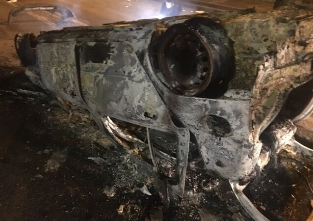 Véhicules détruits lors de la manifestation à Bobigny