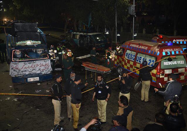 Une forte explosion lors d'une manifestation à Lahore au Pakistan fait au moins 16 morts