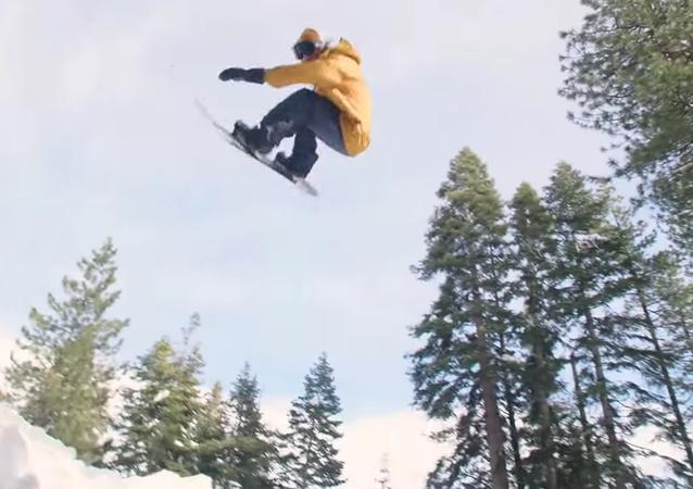 Le snowboardeur américain Danny Davis