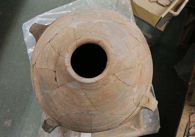 Des urnes «bibliques» témoignent de changements dans le champ magnétique terrestre