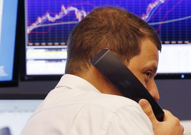 Un trader à la Bourse de Francfort