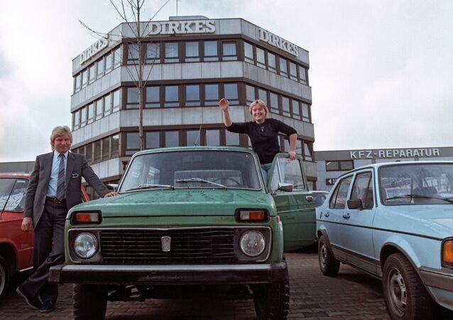 Vente de voitures, Niva et Lada en Allemagne