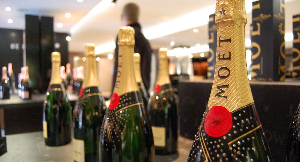 Moët & Chandon a réalisé le rêve de nombreuses personnes: un distributeur automatique de champagne!