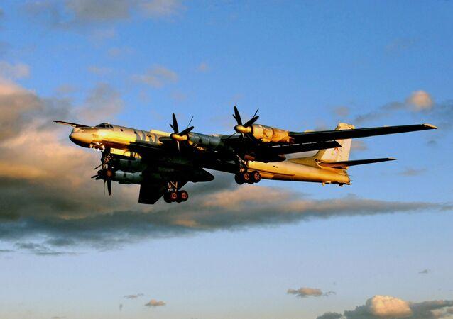 Des avions de chasse russes au large de l'Alaska: Moscou explique