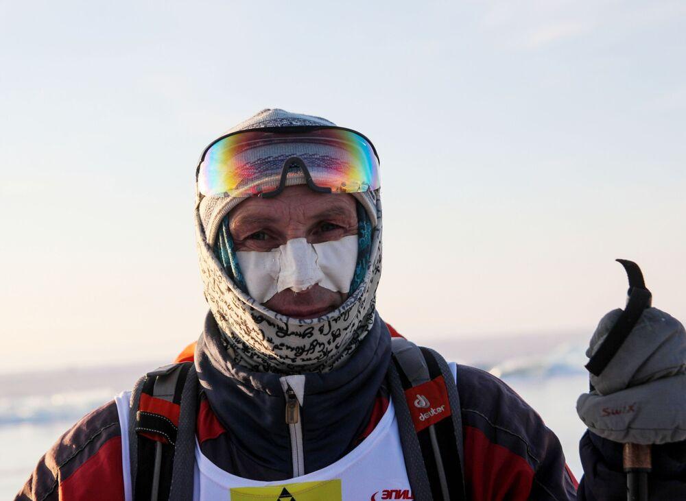 Course de l'extrême sur le lac Baïkal gelé