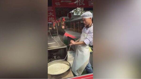 La danse des nouilles d'un chef chinois - Sputnik France