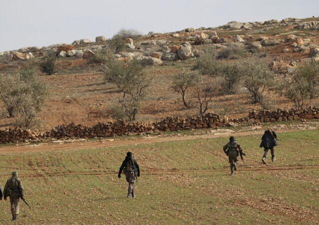 Les combattants de l'Armée syrienne libre aux approches d'Al-Bab
