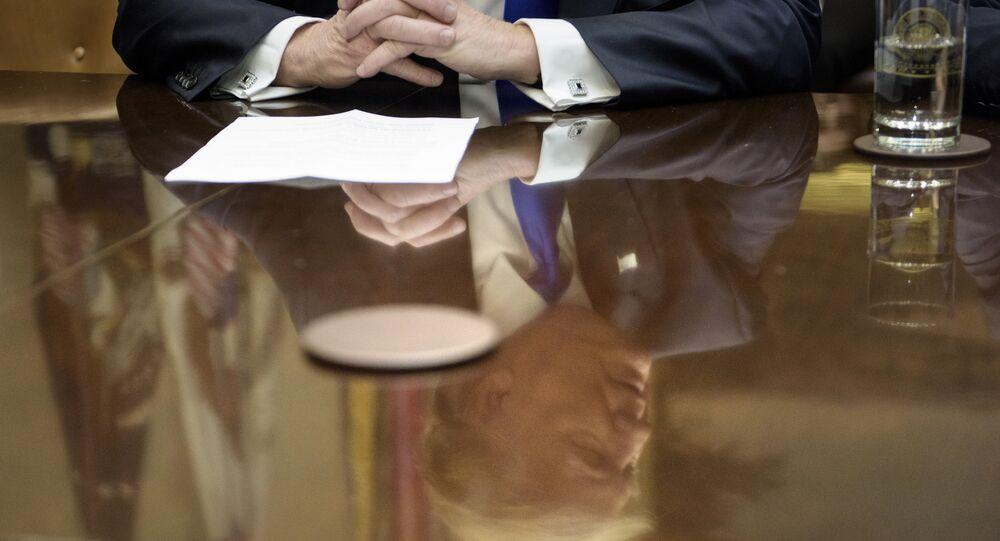 Les États de New York et Washington contesteront le décret de Trump sur l'immigration