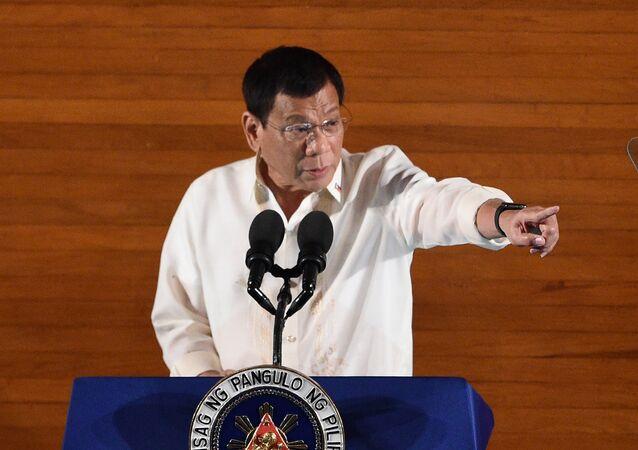 Le président philippin déverse un torrent d'injures contre le Parlement européen