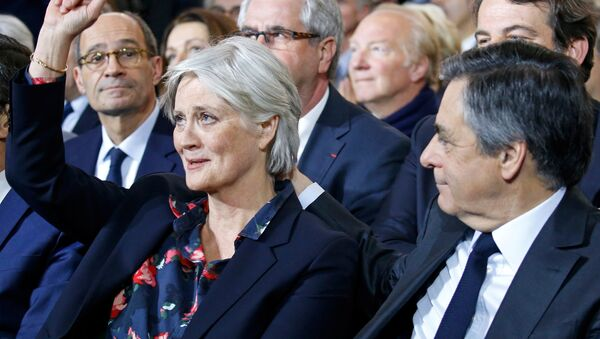 Francois Fillon, member of Les Republicains political party and 2017 presidential candidate of the French centre-right, and his wife Penelope attend a political rally in Paris, France, January 29, 2017. - Sputnik France