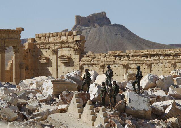 Les militaires syriens à Palmyre
