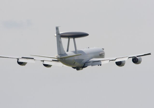 Un avion Boeing E-3 Sentry AWACS