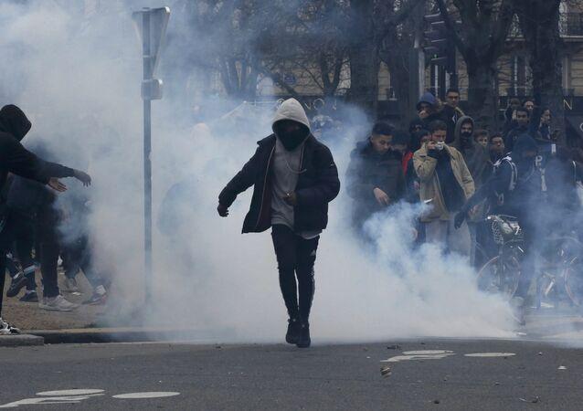 Une manifestation non-autorisée contre les violences policières à Paris