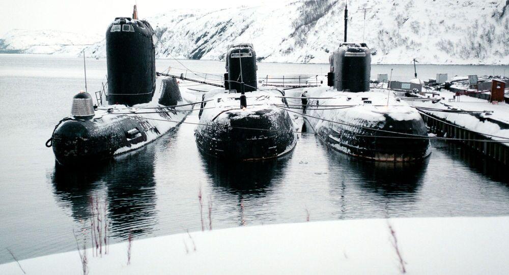 Sous-marins diesel sur la base de la Flotte du Nord à Severomorsk