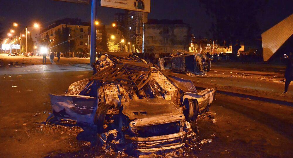 Affrontements en Géorgie: la ville de Batoumi en feu