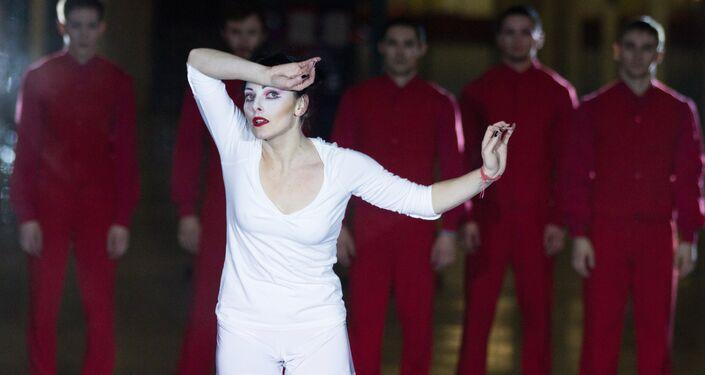 Le ballet « Café idiot » d'après l'œuvre de Fiodor Dostoïevski à la station de métro de Moscou
