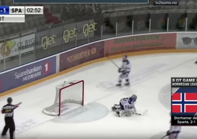 Deux équipes de hockey norvégiennes jouent pendant plus de… 217 minutes
