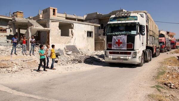 Un convoi humanitaire de la Croix rouge en Syrie - Sputnik France