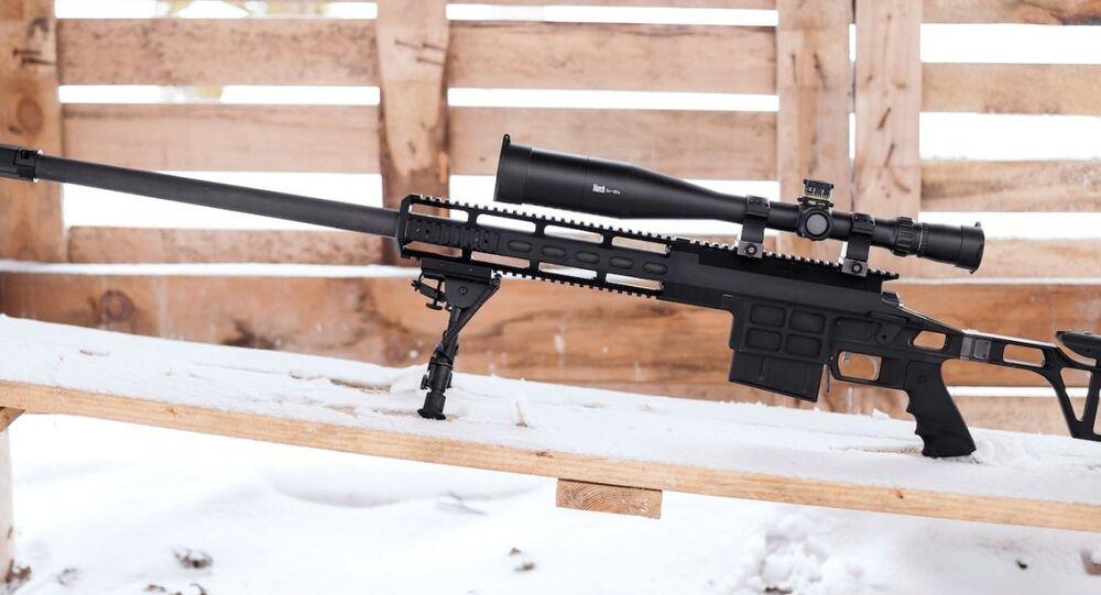 Le fusil de précision de très longue portée de Lobaev Arms DXL-3 Longstrike