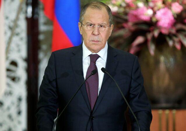 Lavrov sur l'attaque chimique en Syrie: «nous préférons faire confiance mais vérifier»