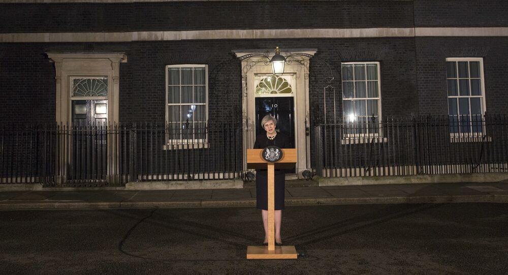 Attentat de Londres: Theresa May s'adresse au peuple britannique