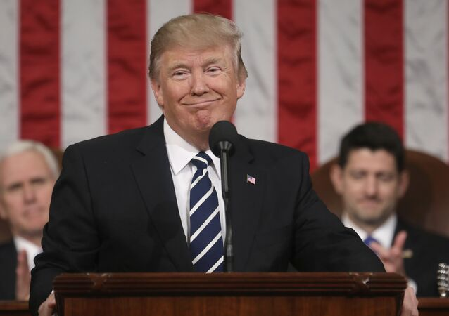 Une loi pour censurer Trump sur Twitter? Blague potache ou bonne idée?