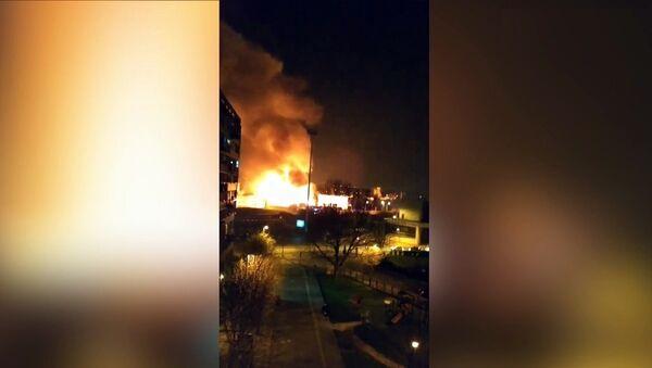 Incendie dans un entrepôt de Bondy - Sputnik France