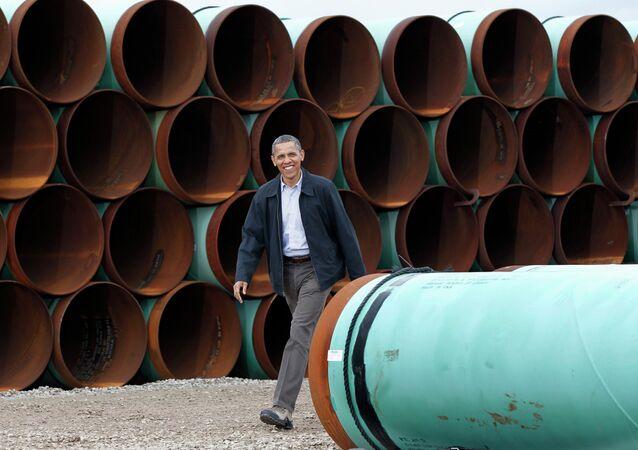 Barack Obama près des tuyaux pour l'oléoduc Keystone XL