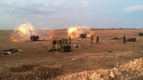 L'artilleri syriennes au nord de la province syrienne de Hama - Sputnik France