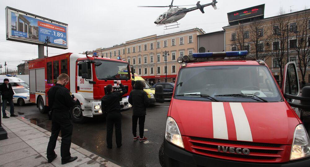 Saint-Pétersbourg après l'explosion dans le métro