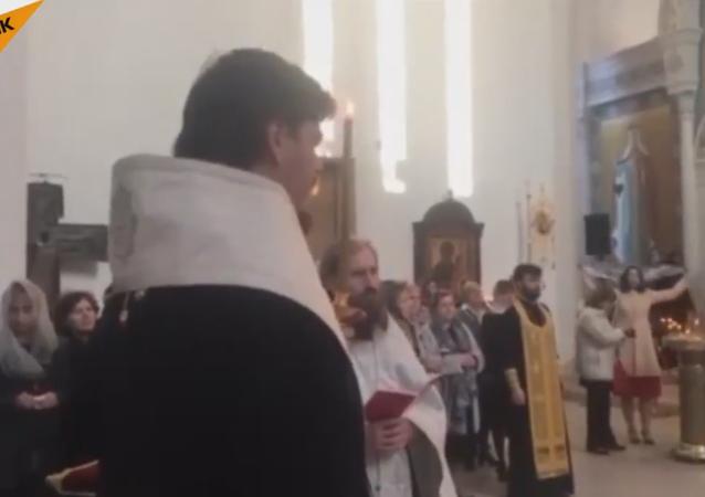 La messe dans la Cathédrale de la Sainte-Trinité de Paris