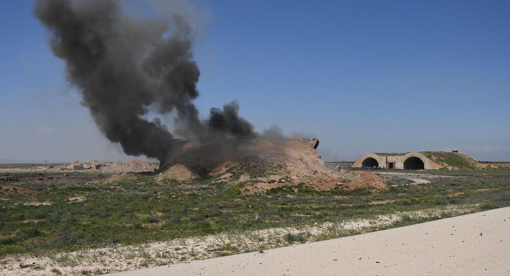 Les conséquences des frappes aériennes contre la base militaire Shayrat en Syrie