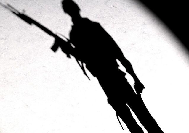 Un homme armé