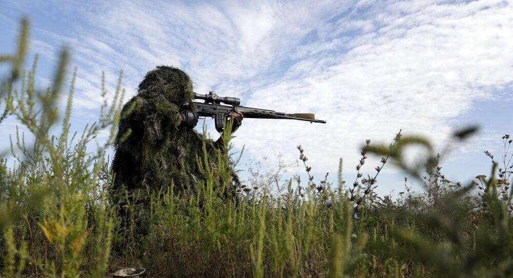 un sniper en Ukraine