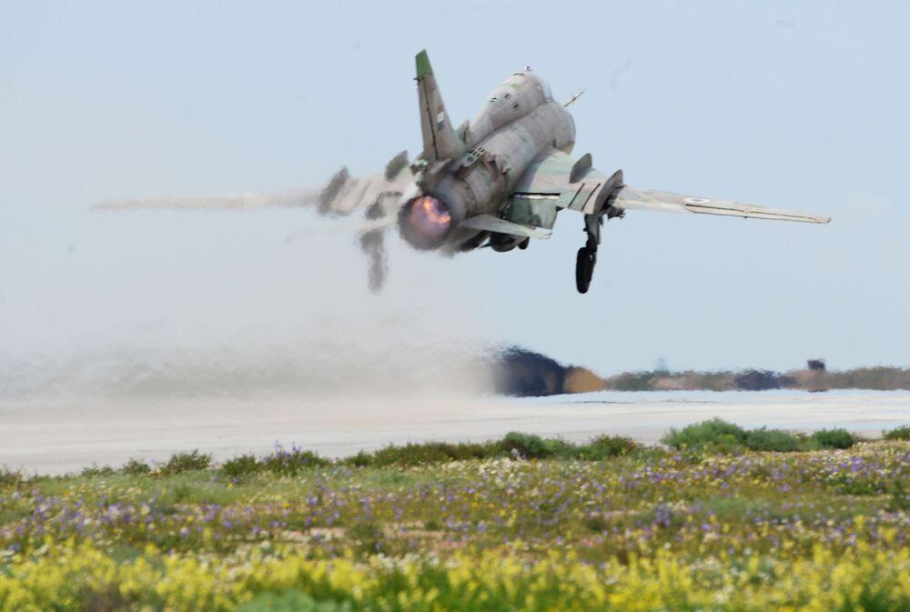 L'aérodrome syrien de Shayrat après les frappes américaines