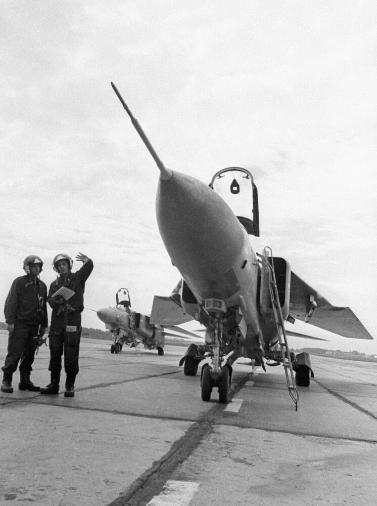 Le MiG-23 fête ses 50 ans dans les airs