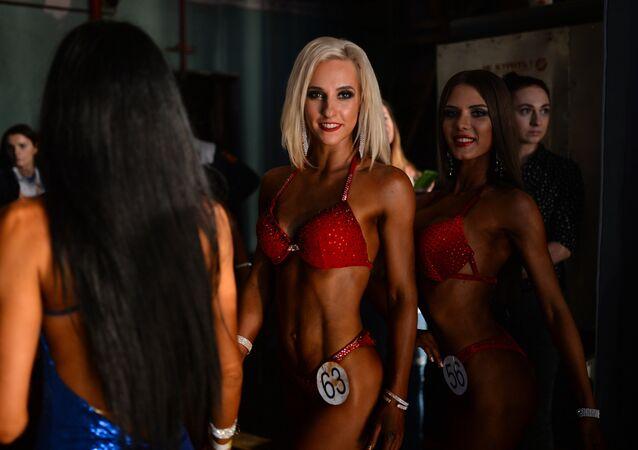 Le championnat de bodybuilding et de body-fitness à Novossibirsk