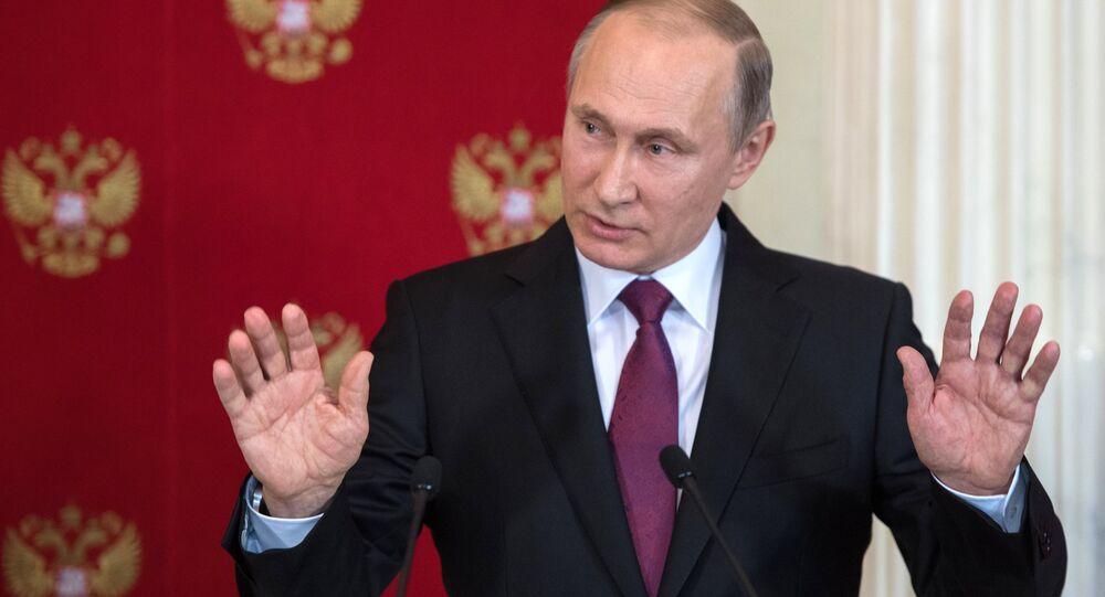 «Le bien triomphe du mal»: c'est exactement ça, mon boulot! explique Poutine