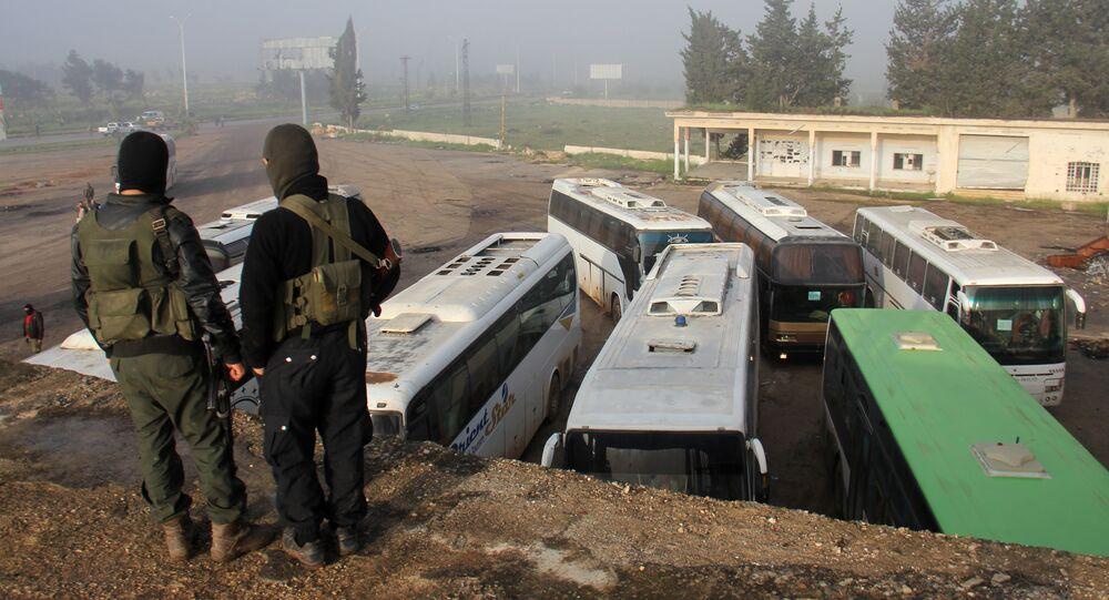 Début de l'évacuation de villes syriennes assiégées