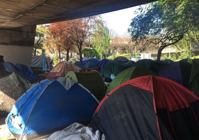 Le campement de migrant de la Porte de la Chapelle à Paris