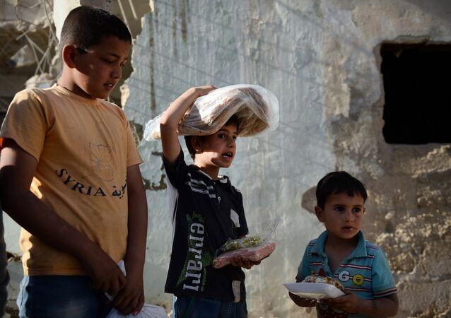 Syrie: les militaires russes prêtent main forte aux villageois dans la province de Homs