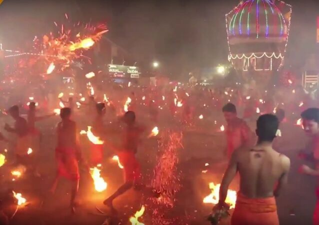 La fête Agni Keli ou  Lutte du feu