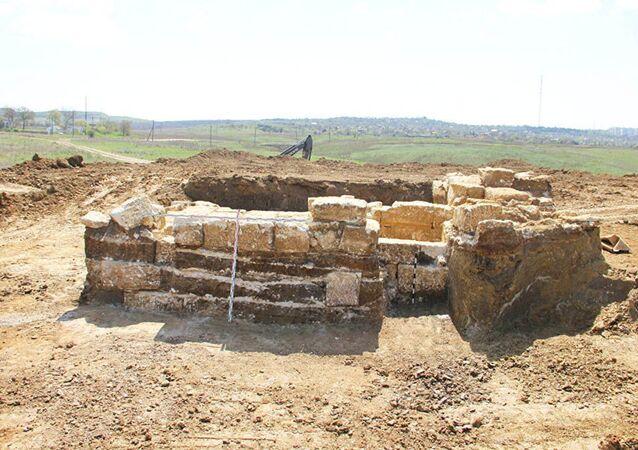 Une tombe de l'époque d'Alexandre le Grand découverte en Crimée