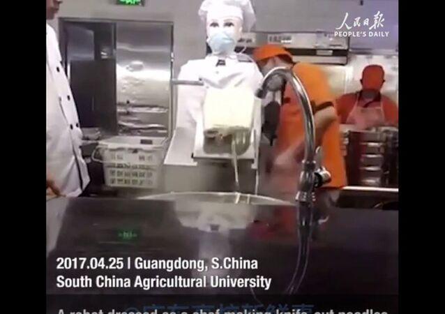 La Chine emploie un robot dans une cafétéria universitaire
