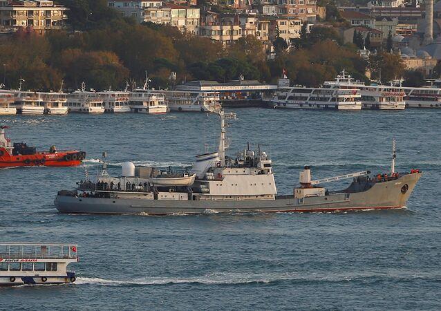 Un navire de renseignement russe dans le Bosphore