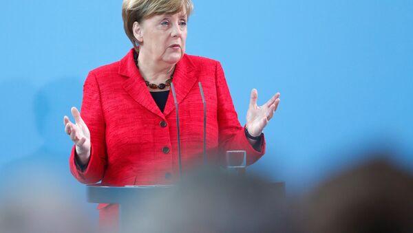 Merkel explique comment l'Otan doit dialoguer avec la Russie - Sputnik France