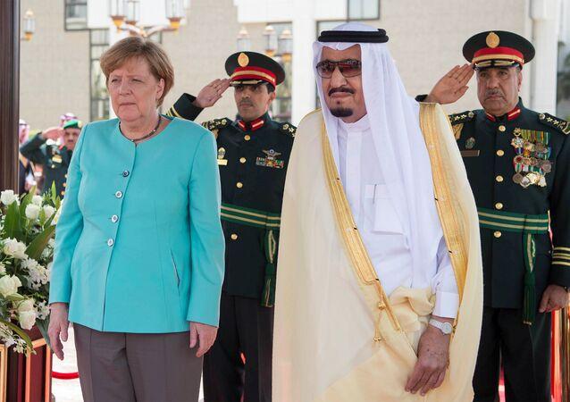 Un fake «pour la blague»: non, la TV saoudienne n'a pas flouté Merkel