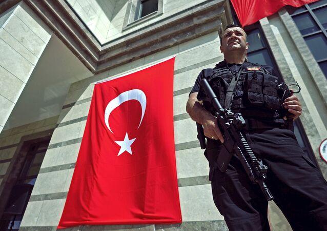 Des vandales attaquent le consulat turc à Zurich et appellent à tuer Erdogan