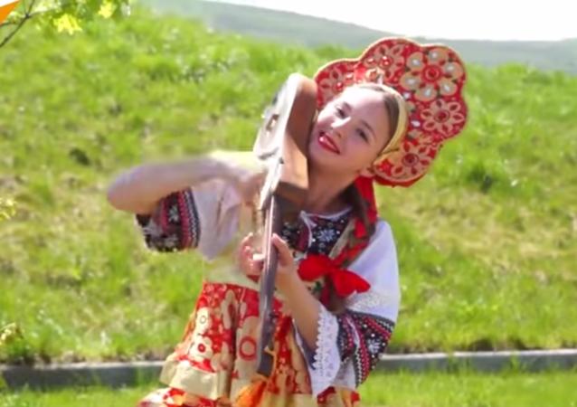 On vous présente le Jimi Hendrix de la musique traditionnelle kirghize